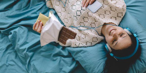 por-que-el-chocolate-sabe-mas-dulce-si-lo-consumes-escuchando-música-aguda